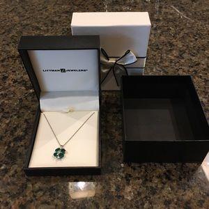 Jewelry - Emerald & Sapphire shamrock pendant necklace